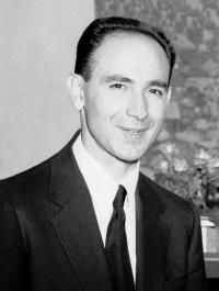 DOCTOR HUMBERTO FERNANDEZ MORAN